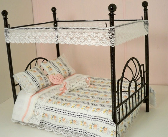 Dollhouse Miniature Four Poster Black Iron Bed With Bedspread