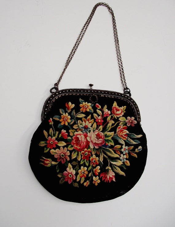 Flowered Antique Handbag with chain 1900