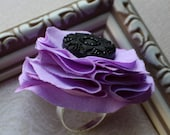 flora for fingers. lavender bloom ring.