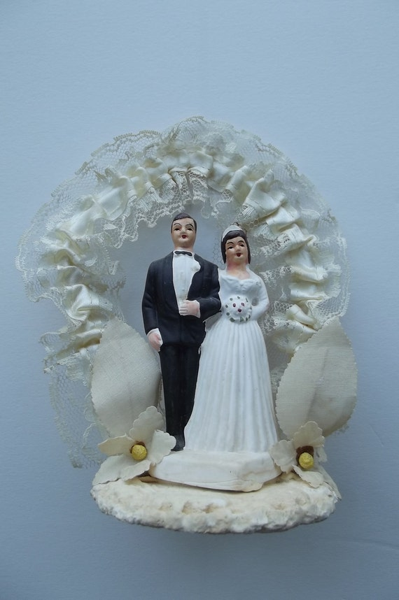 1964 China and Ceramic Wedding Cake Topper////SuperSale