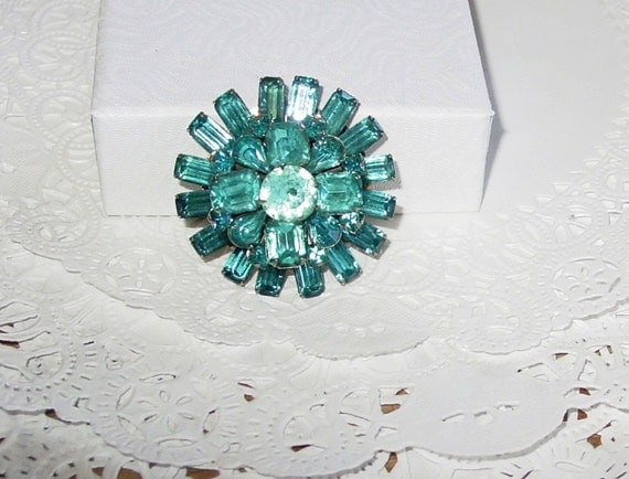 FREE SHIP Vintage Blue Glass Brooch