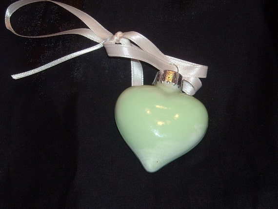 Hand painted mini glass heart ornament H38