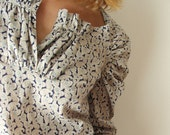 Cream and Blue Paisley Cashemir - Blouse Shirred Just one Size M/L