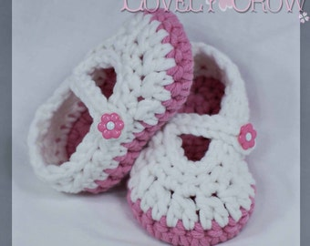 Baby Booties Crochet Pattern for Bulky Baby Button Maryjanes. digital
