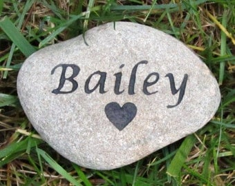 Pet Headstone Dog Cat Hamster Guinea Pig Gerbil Memorial Stone with Heart 4-5 Inch