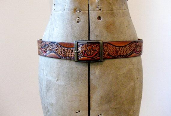vintage 1970s // tooled leather snake belt