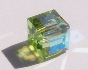 Clearance Sale 6 Swarovski Crystal Beads 6mm CUBE Green Crystal Beads PERIDOT AB