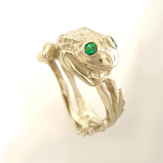Silver Frog Ring with Green Eyes