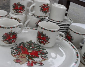 """Vintage 1987 O Christmas Tree  13"""" Serving Platter And 10 Cup And Saucer Set"""