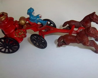 Vintage Collectible Cast Iron Horse Drawn Firefighter Carriage 1940s