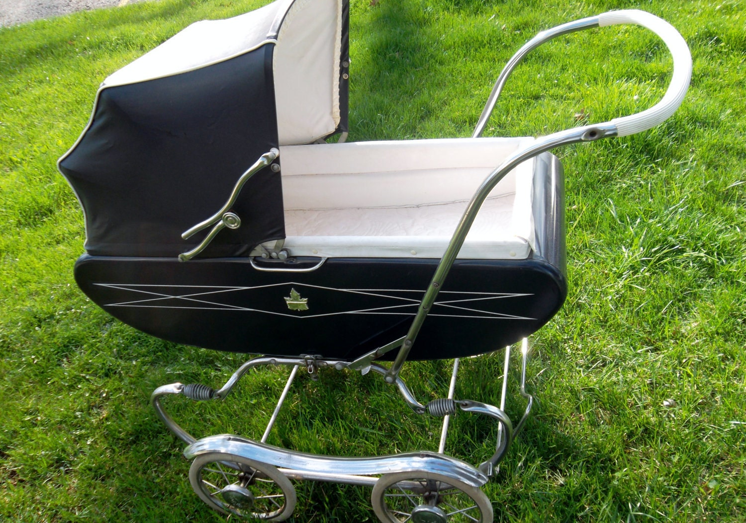 Antique Gendron Mcfarlane Baby Carriage