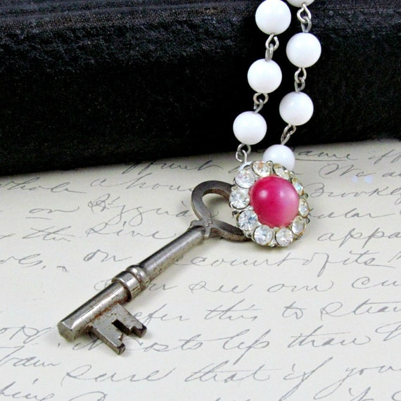 Skeleton Key Necklace Antique Key Necklace Vintage Skeleton Key Pink Rhinestone Necklace White Beaded Chain Steampunk Necklace - Sparkle Key
