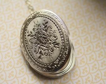 Silver Locket Necklace, Long Necklace, Long Necklace, Ornate Pendant, Large Locket Necklace, Antique Silver Locket Style, Trifari