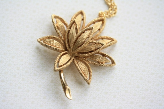 The Vintage Lotus Flower Necklace