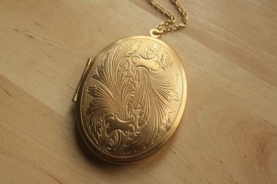 Large Locket Feather Necklace, Oval Gold Locket, Leaf Necklace, Long Gold Chain, Art Nouveau Locket Necklace