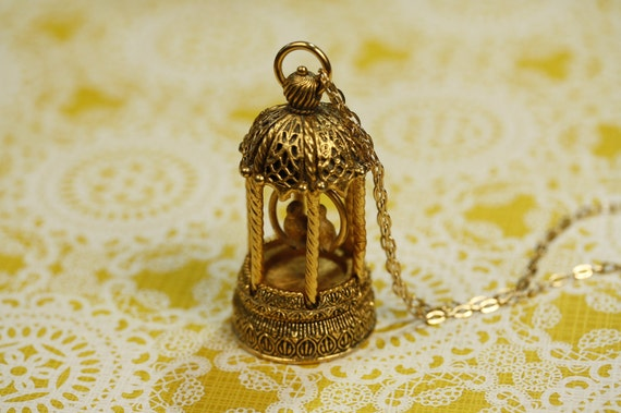 Birdcage Locket Necklace, Long Vintage Pendant, Gold Love Birds Necklace, Large Jewelry, Secret Perfume Compartment, Feathers Fashion