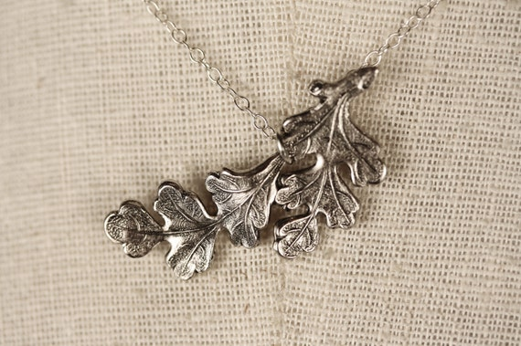 Silver Oak Leaf Necklace, Small Pendant, Sterling Silver Chain, Bridal Jewelry, Bridesmaids Gifts, Autumn and Fall Season