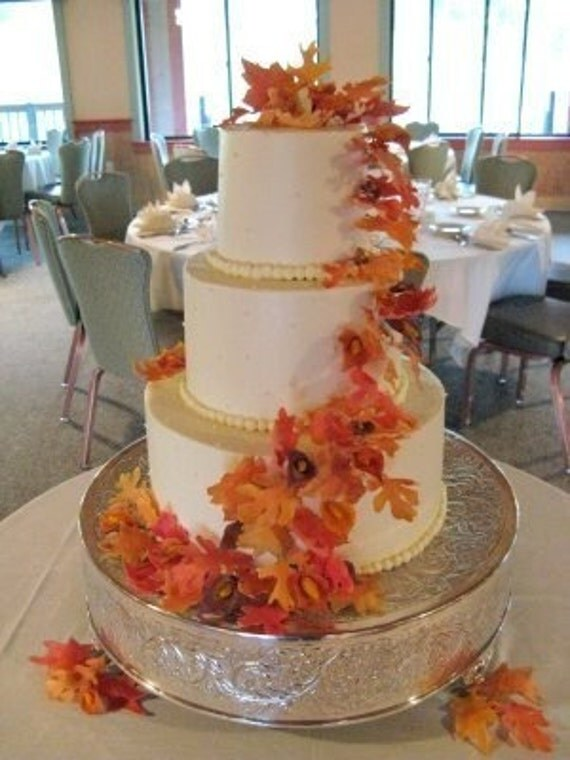 wedding cake with fall leaves gum paste autumn leaves gumpaste wedding cake by gumpasteplace 26873
