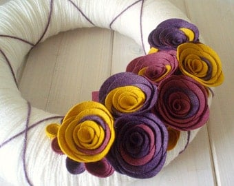 Yarn Wreath Felt Handmade Door Decoration - Warm Berry 12in