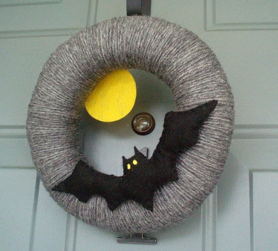Items Similar To Yarn Wreath Felt Holiday Door Decoration