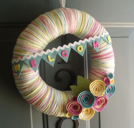 Items similar to Yarn Wreath Felt Handmade Door Decoration - Sweet ...