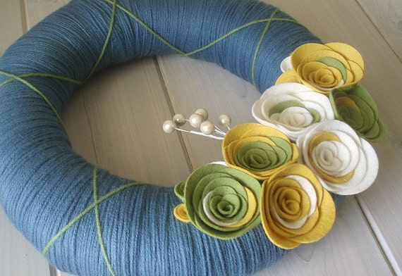 Yarn Wreath Felt Handmade Door Decoration - Cornflower 12in