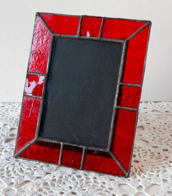 stained glass picture frame in scarlet ruby red. Black Bedroom Furniture Sets. Home Design Ideas