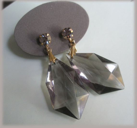 Lightweight Smokey Gray Faceted Drop Dangling Clip Earrings Gray Crystal Goldtone