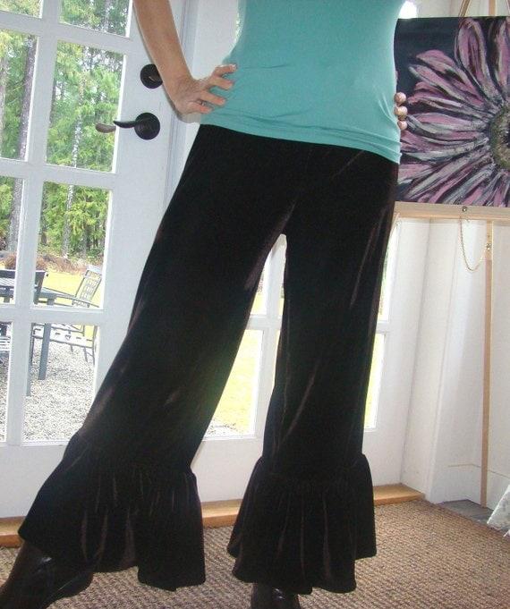 Black Licorice women's velour ruffle pants