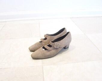 vintage beige strapped heels size 5