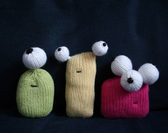 Knit your own Eyeball Aliens (pdf knitting pattern)