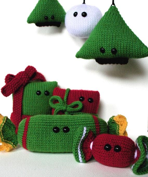 Amigurumi Christmas Decorations : 7 Amigurumi Christmas knitting patterns