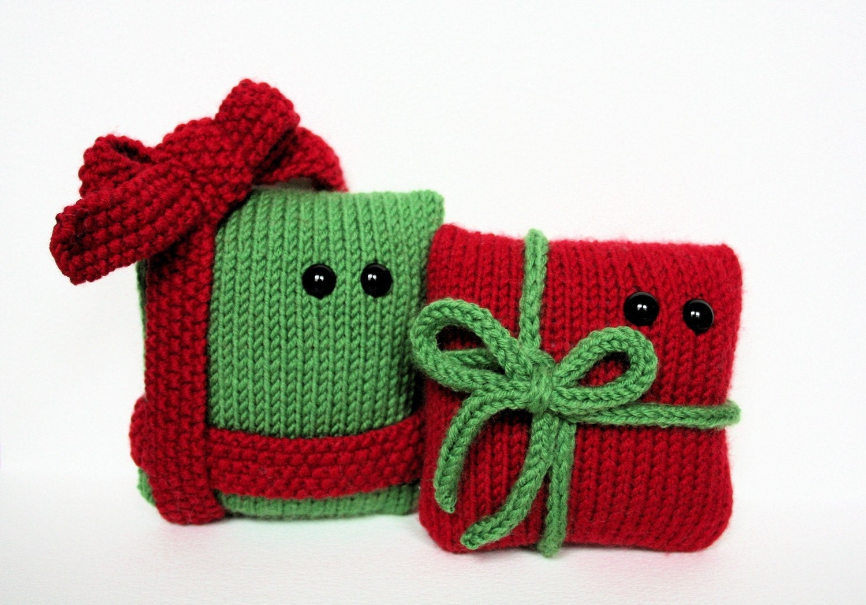 Knit Amigurumi Patterns : 4 Amigurumi Christmas knitting patterns