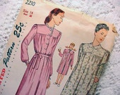 1940s Vintage Simplicity 2210 Nightgown, long or short Size 14 Used Complete