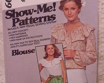 McCalls 6008 Show Me Blouse Pattern Size 10 Dated 1978