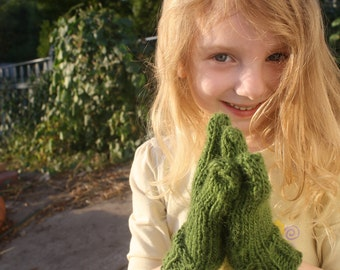 New Hand Knit Kiwi Green Alien Gloves for Children