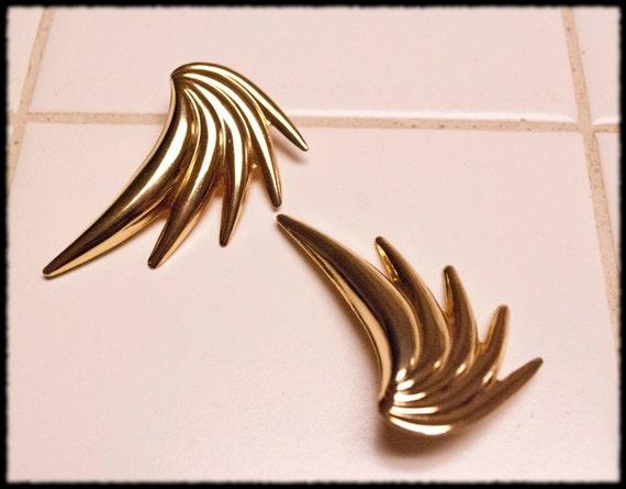 Vintage wings gold toned post earrings