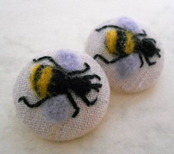 Hand embroidered and felt bumble bee buttons