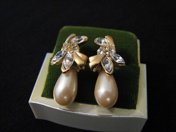 Vintage Richelieu Gold Tone White Faux Pearl Teardrop and Diamond Rhinestone Flower Pierced Earrings
