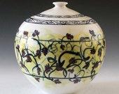 Porcelain  jar: pottery ceramic large covered jar