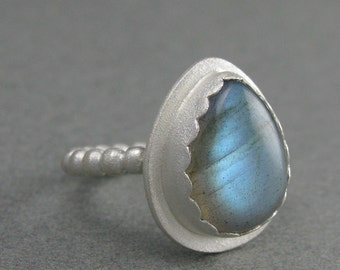 solid sterling silver labradorite ring. aqua blue flash ring. labradorite frosted sterling silver ring size 5.25 USA. Silver blue ring.