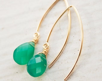 Emerald Green Onyx Earrings - 14KT Gold Filled - Simple Hooks