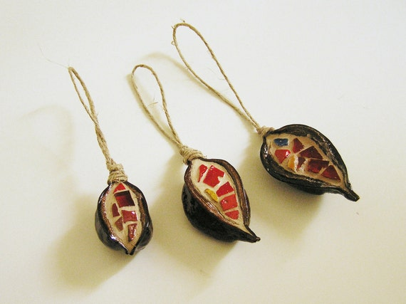 ornaments - mosaic handmade in 3 natural pods - Christmas Tree and House decoration red tiles