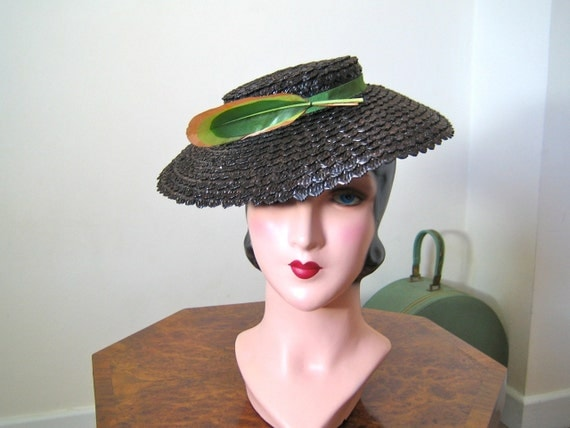 RESERVED 1930s tilt hat / beautiful late 30s brown straw hat with green ribbon and feather, and ruched back strap