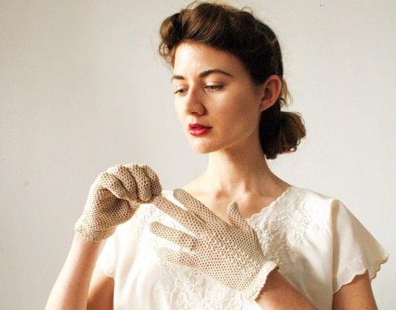 Vintage Crocheted Beige Gloves 1950s
