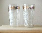 Vintage MidCentury Gold and White Ornate Juice Drinking Glasses with Regal 18th Century Colonial Man and Woman and Design.
