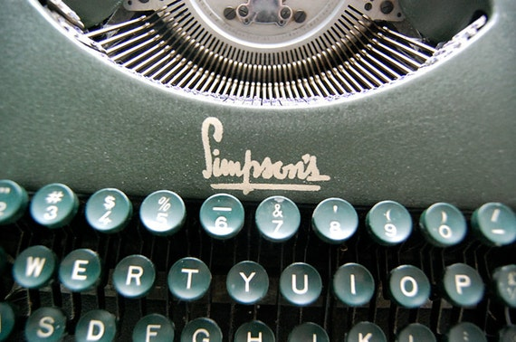 Vintage Green Antique Portable Oliver Simpsons 1930s Working Office Industrial Typewriter with Ribbon.