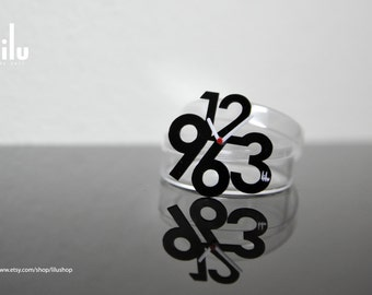 Modern Design Black Clock Miniature for Dollhouse, Blythe, Lati, Puki