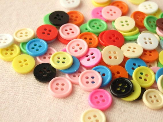 100 pcs. of colorful buttons / 4 holes (11mm)