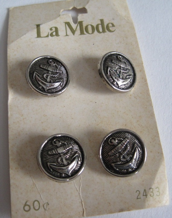4 Vintage Silver Metal Look Buttons on Button Card..La Mode